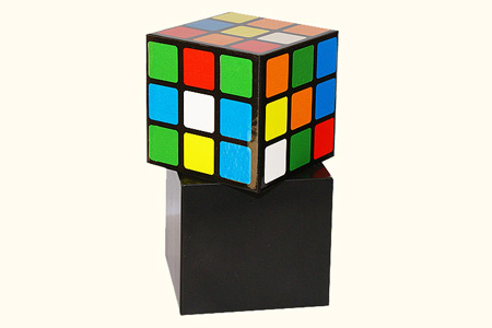 rubik 39 s cube automatique tour de magie. Black Bedroom Furniture Sets. Home Design Ideas