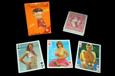 Nude girls playing cards (Jumbo)